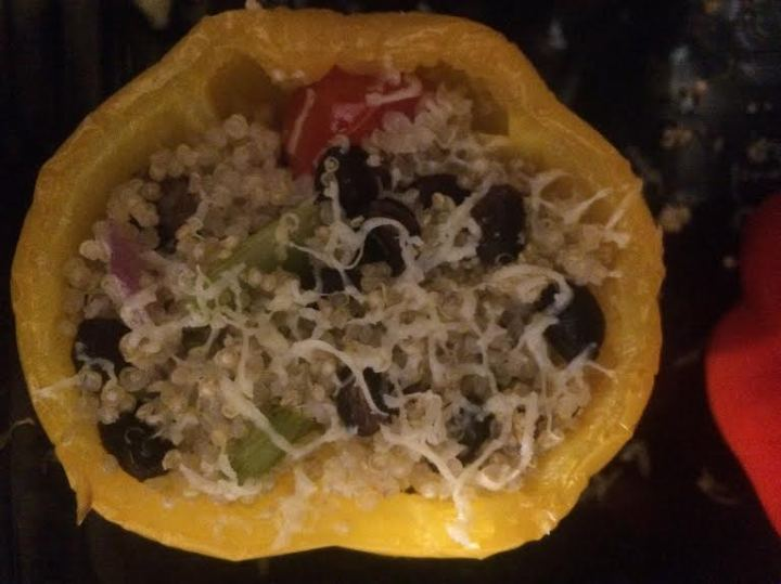 quinoa stuffed bell pepper