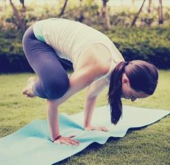 FM-Yoga-Pose-Crow1