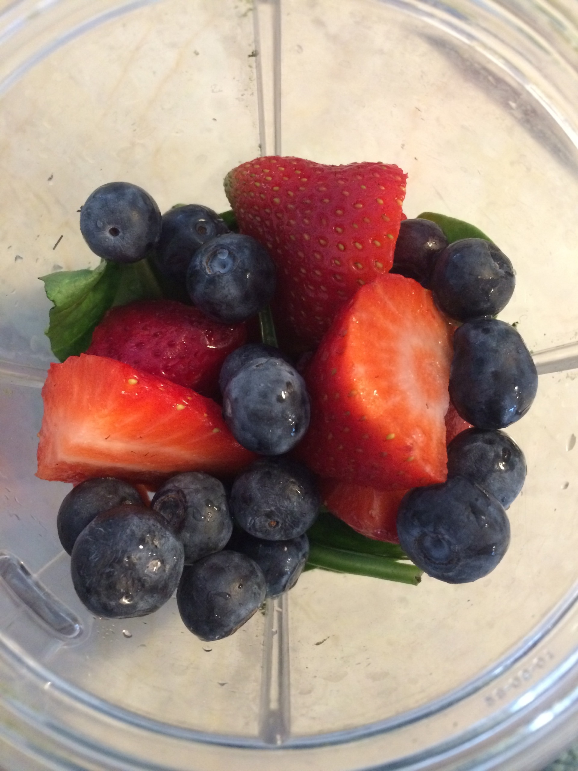 berry green smoothie