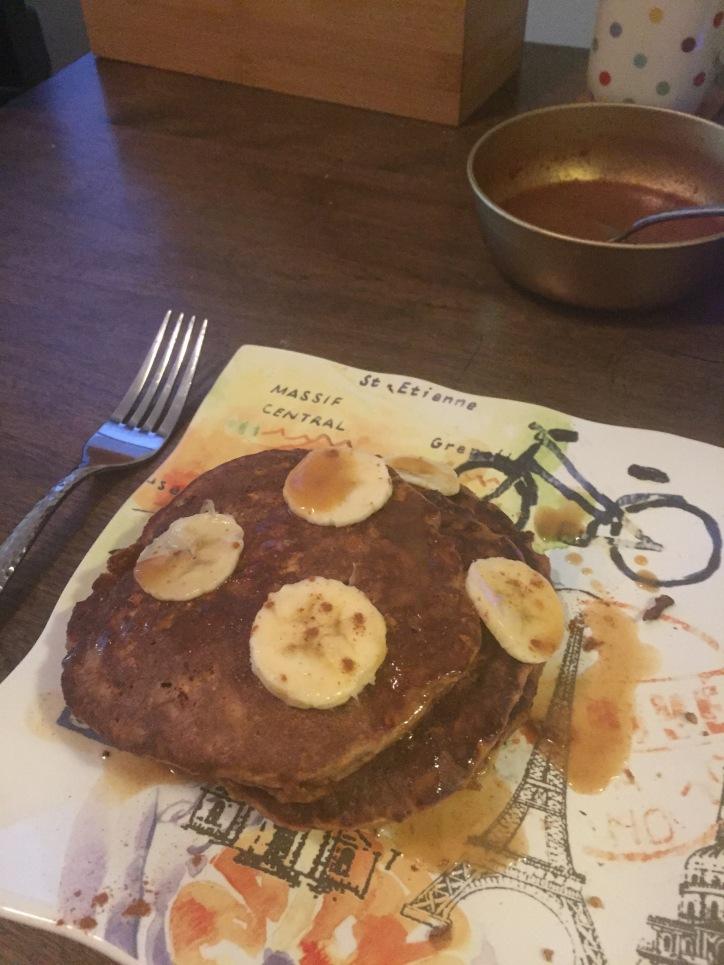 nutty protein banana pancakes